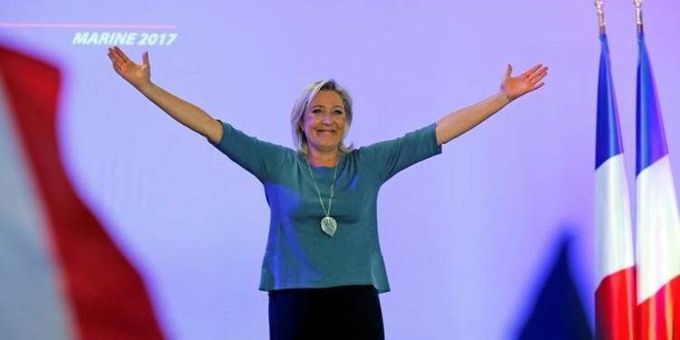 Marine Le Pen se dit certaine d'être majoritaire en 2017