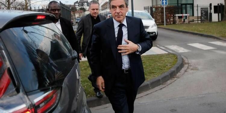 Fillon cherche du soutien auprès de Sarkozy