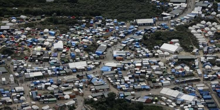 """Manifestation de routiers sur l'A16 contre la """"jungle"""" de Calais"""