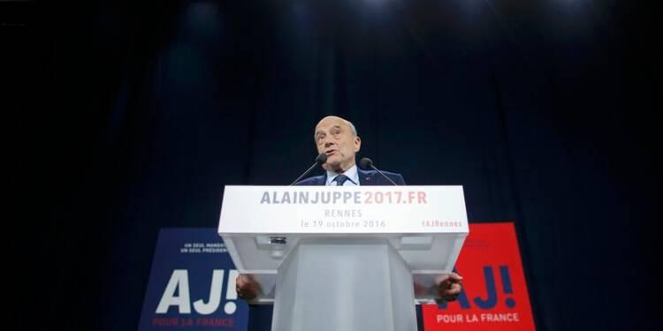 """Hollande est le """"fossoyeur"""" du modèle social français, dit Juppé"""