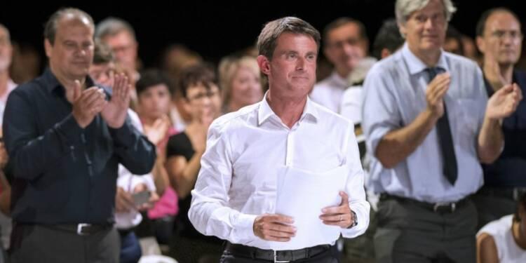 Valls engage la réforme des minima sociaux et prend date
