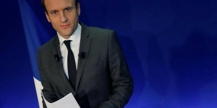 """Macron promet un """"pass culturel"""" de 500 euros à 18 ans"""