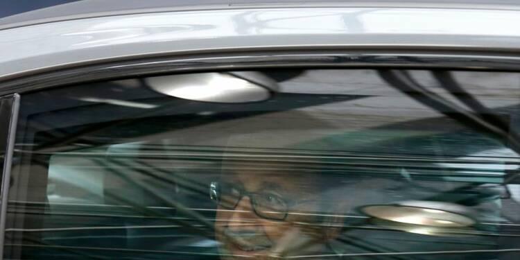 "May ""veut un Brexit dur, la négociation sera dure"", dit Hollande"
