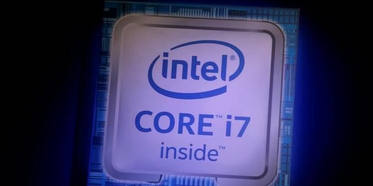 Intel bat le consensus au quatrième trimestre, le titre grimpe