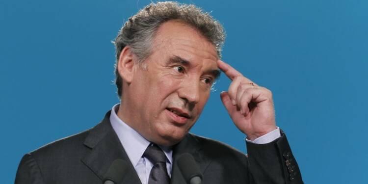 Bayrou accentue son soutien à Juppé pour la primaire