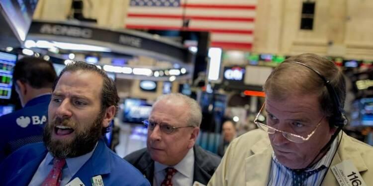Wall Street ouvre peu changée après de bons indicateurs