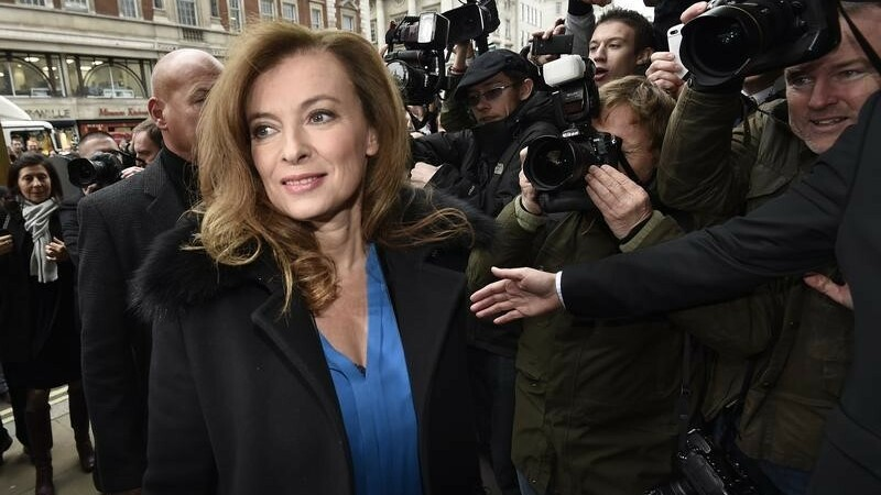 """Trierweiler revient hanter Hollande sur les """"sans-dents"""""""