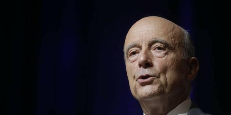 Alain Juppé dit sentir de la panique chez Nicolas Sarkozy