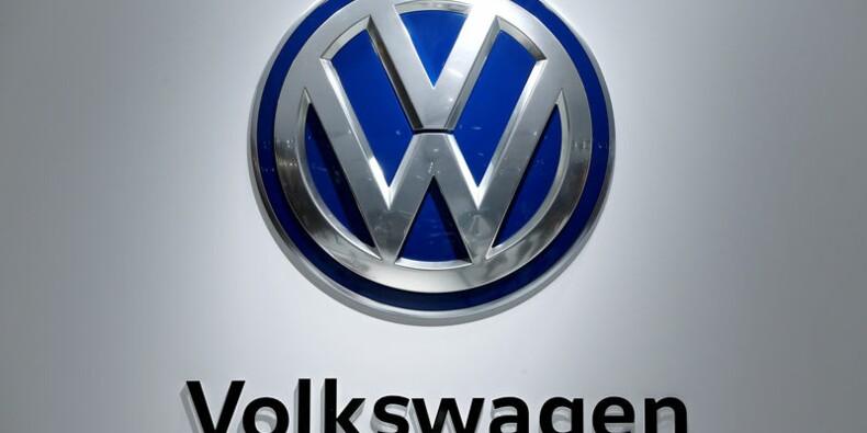 VW plafonne la paie de ses dirigeants, bonus compris