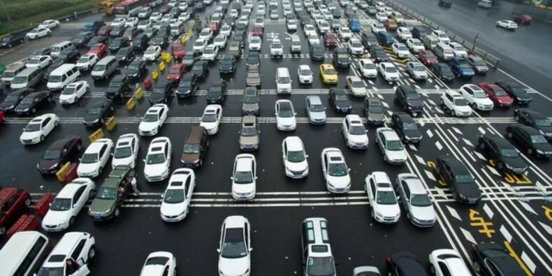 Prévision de ventes automobiles en Chine revue en hausse en 2016