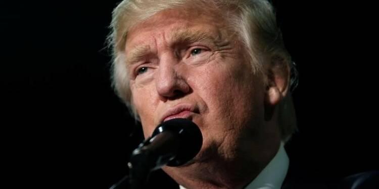 """Trump dénonce un complot et une """"élection truquée"""""""