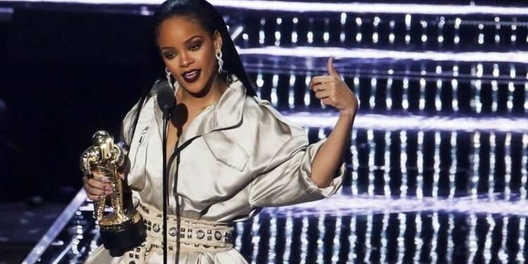 François Hollande répond à Rihanna sur un projet humanitaire