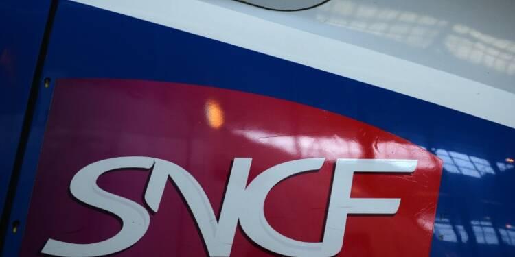 Début de la grève à la SNCF, fortes perturbations attendues mardi