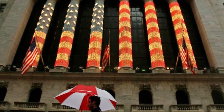 Wall Street, en léger recul, reste proche de ses records