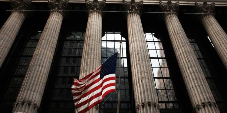 Wall Street bondit, pariant sur une victoire de Clinton