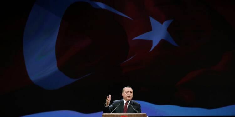 Erdogan menace de laisser passer les migrants vers l'Europe