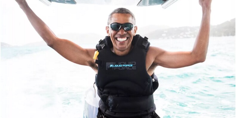 EN IMAGES : Les vacances d'Obama avec Richard Branson, le patron de Virgin