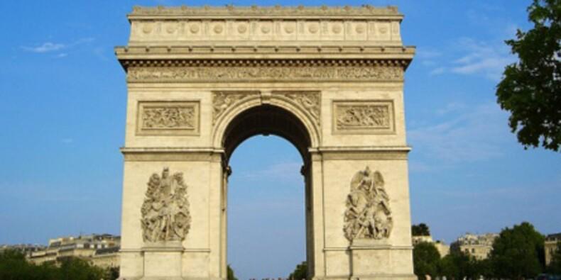 L'avenue des Champs-Elysées perd de sa superbe