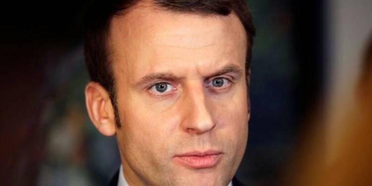 """Macron promet aux Britanniques d'être """"dur"""" sur le Brexit"""