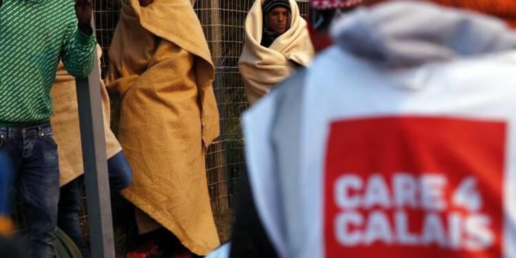 Calais interdit les distributions de repas aux migrants