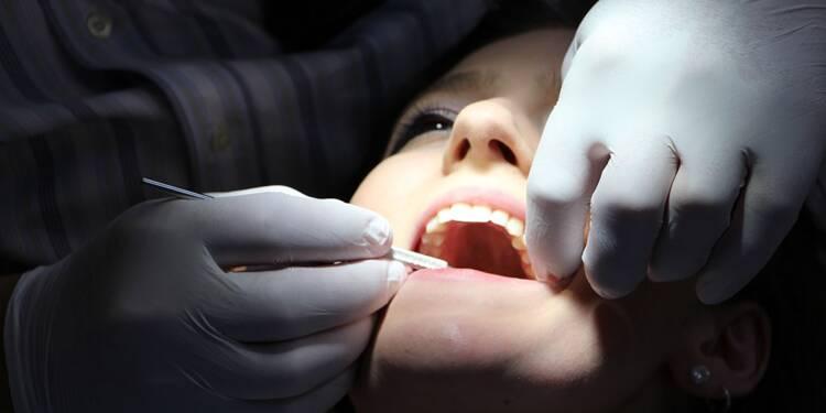 Soins dentaires : poser une couronne vous coûtera moins cher l'an prochain