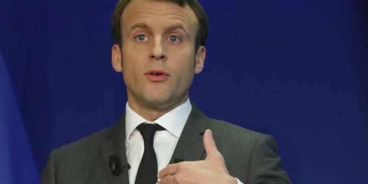 Le Parti socialiste rejeté à gauche par Macron