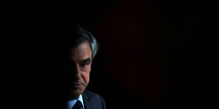Le pacte Bayrou-Macron rabat Fillon sur sa droite