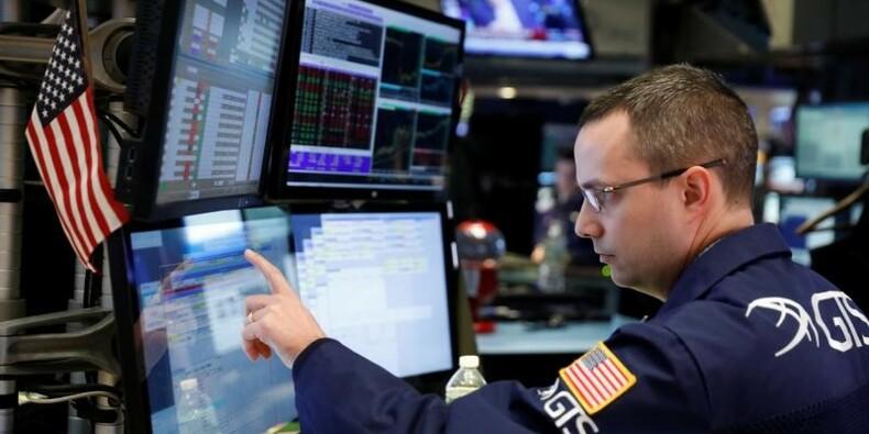 Wall Street recule encore, les résultats et la politique pèsent