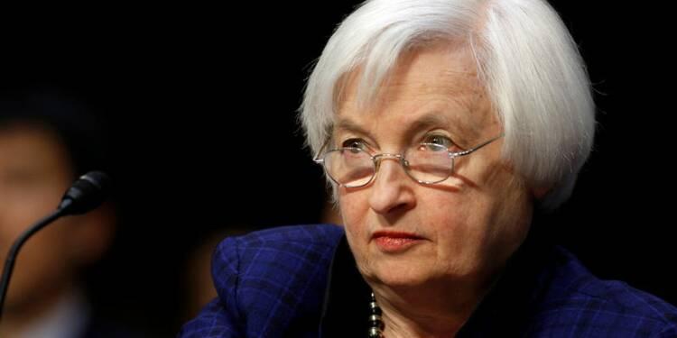 """La Fed pourrait relever ses taux """"assez vite"""", dit Yellen"""