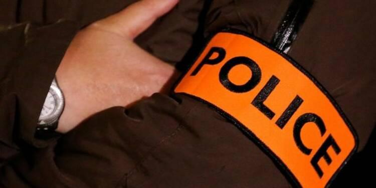 Des centaines de policiers manifestent à Viry-Châtillon