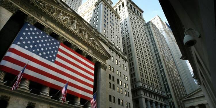 Wall Street ouvre en légère baisse, Twitter chute
