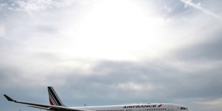"Air France: la direction fera une ""ultime proposition"" aux syndicats de pilotes en fin de semaine"