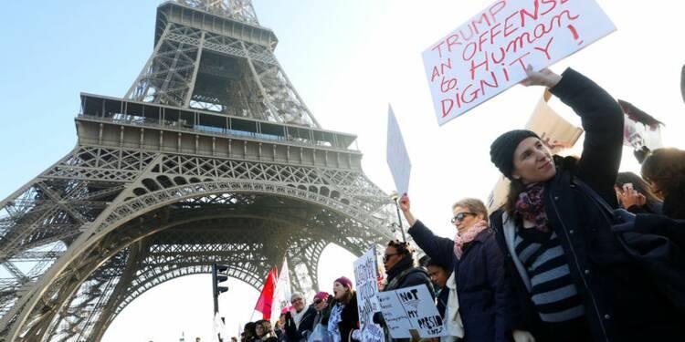 Défilé à Paris de la Marche des femmes contre Trump