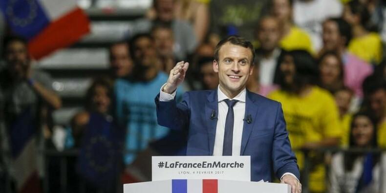 Deux sondages prévoient un duel Macron-Le Pen au deuxième tour