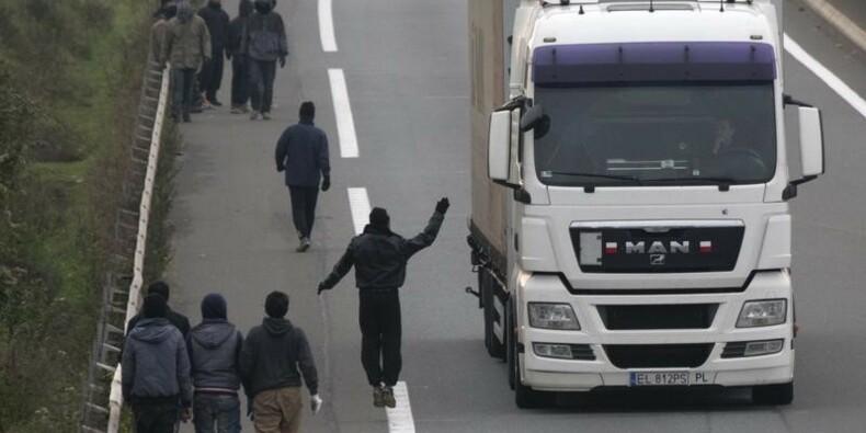 """Londres va entamer à Calais l'érection du mur """"anti-migrants"""""""