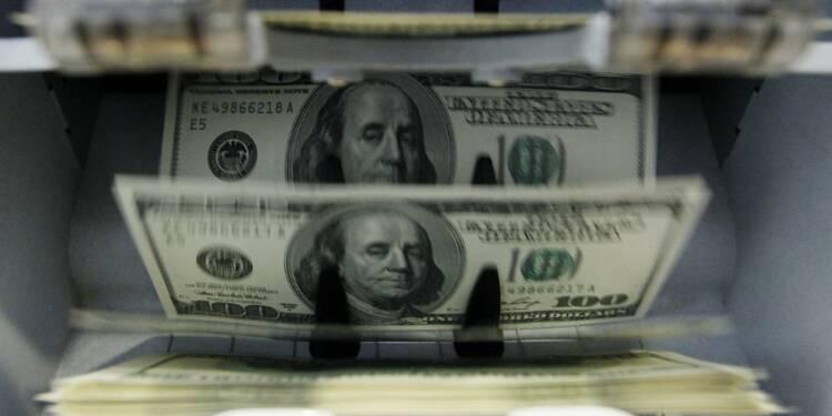 La panique initiale passée, le dollar profite de l'effet Trump