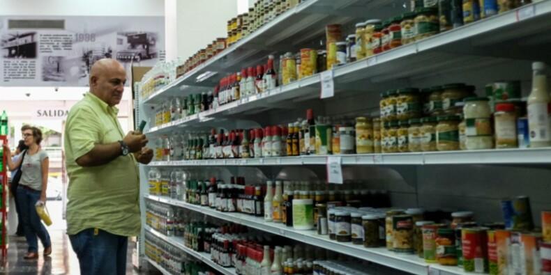 Au Venezuela, les rayons se remplissent mais les prix explosent