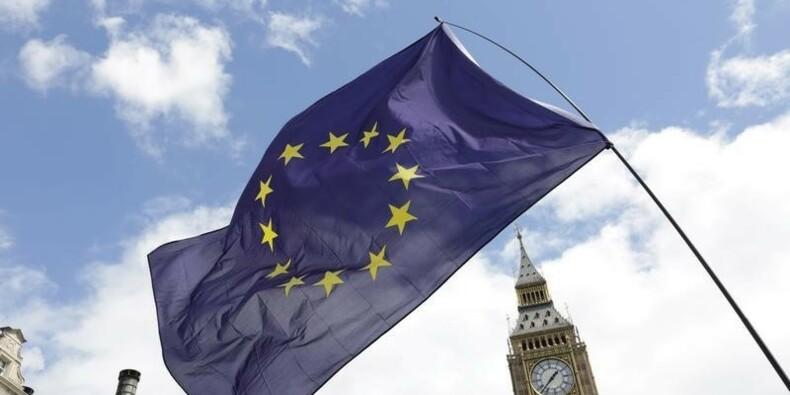 """Un """"hard Brexit"""" pourrait coûter 73 milliards d'euros par an"""