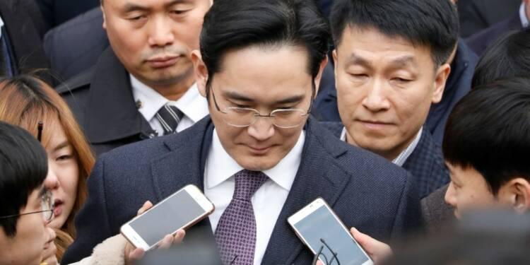 Le patron de Samsung entendu plus de 15 heures par la justice