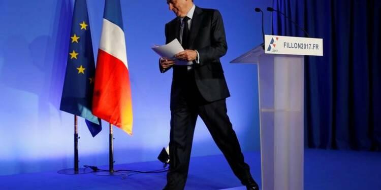 """Fillon impute la """"dérive"""" de la Russie aux sanctions européennes"""