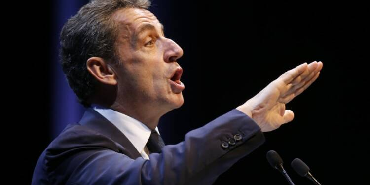 """Sarkozy tente d'enfermer Juppé dans le """"piège"""" Bayrou"""