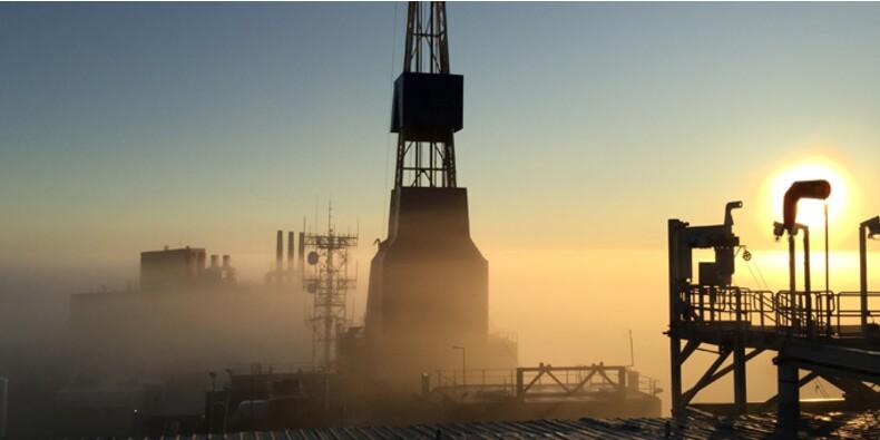 Pourquoi le prix du pétrole a chuté et est-ce que ça va continuer ?