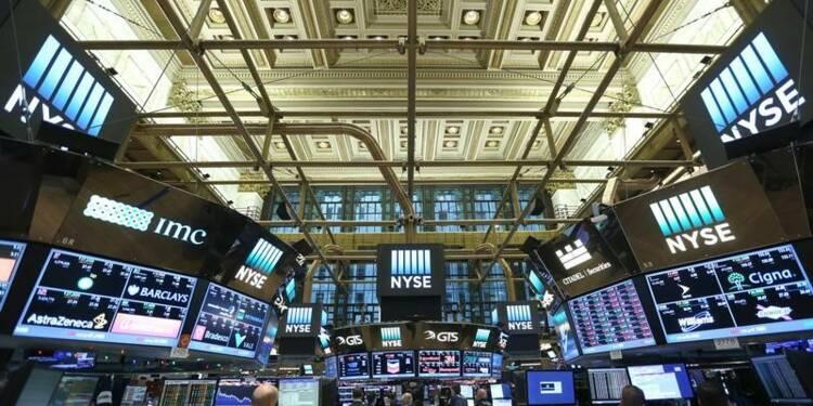 Wall Street ouvre stable, en attendant l'investiture de Trump