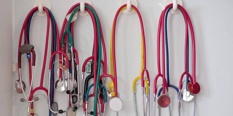 Un salarié embauché pour une courte durée doit-il passer une visite médicale ?