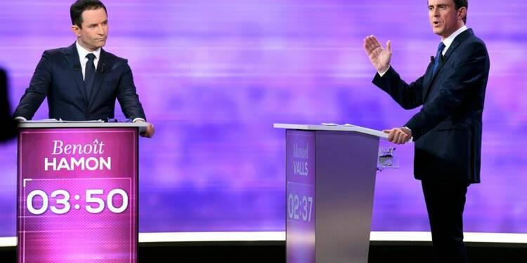 Accusé de vendre du rêve, Hamon défend son projet face à Valls