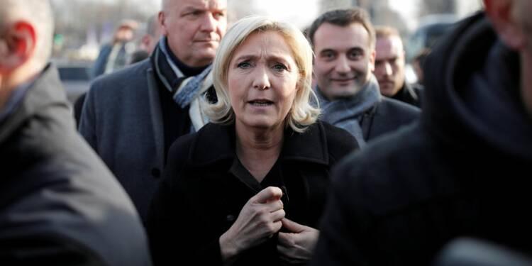 """Marine Le Pen appelle à la fin des """"chicayas"""" au FN"""