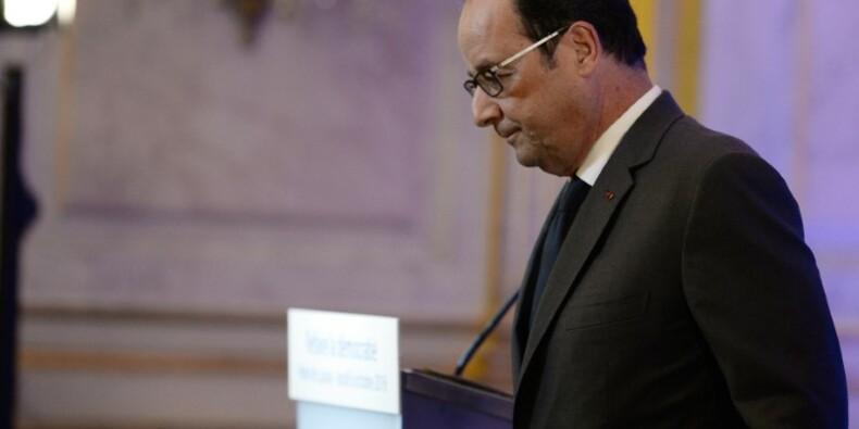 """Fillon a bien demandé à """"taper"""" sur Sarkozy, dit Hollande"""
