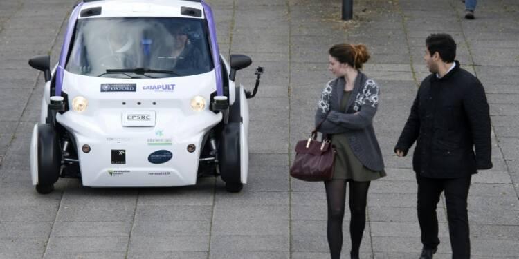 Royaume-Uni: 1er test de voiture sans chauffeur dans une zone piétonne