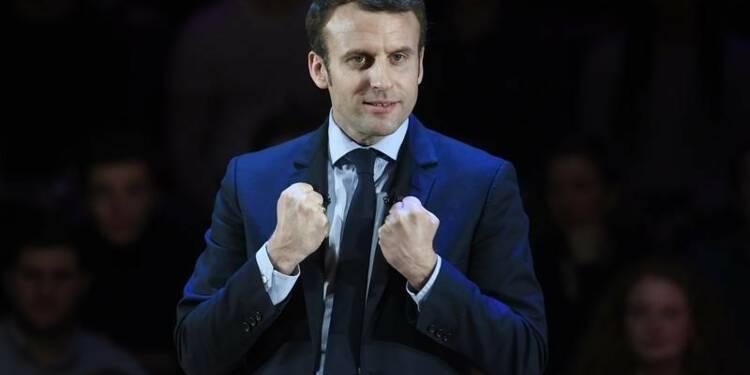 CORR-Macron se rapproche de Le Pen dans trois sondages