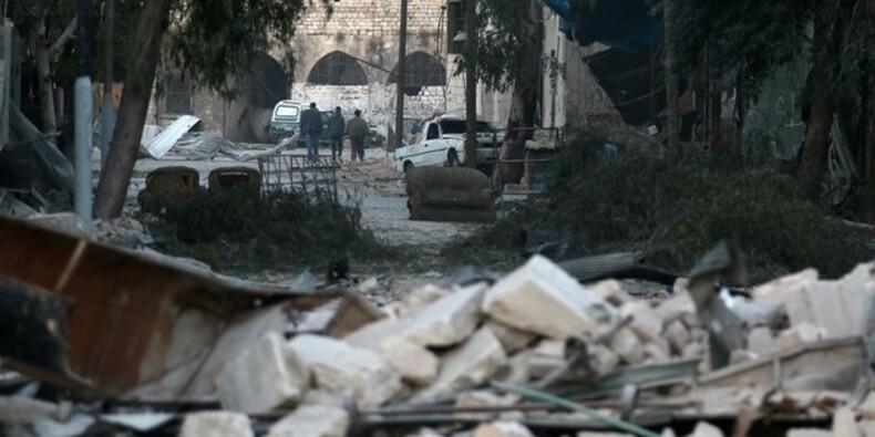 Les victimes civiles s'accumulent dans les deux moitiés d'Alep